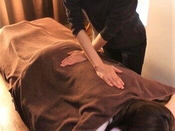 リラクゼーションアンド整体サロン 睡蓮(suiren)の写真/触れればわかる貴方の不調!歪んだ骨を正しい位置に戻し改善へと導きます♪首や肩の重い疲れを解消♪