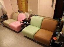 新阿里山 六本木店の雰囲気(待合室ではお茶のサービスもございます♪)