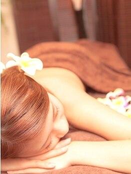 ヒーリングフォレスト シュロ(Healing Forest Shuro)の写真/手のぬくもりで全身の疲れをじっくりとときほぐす…心も体も深いリラクゼーションをあじわう至福のひととき