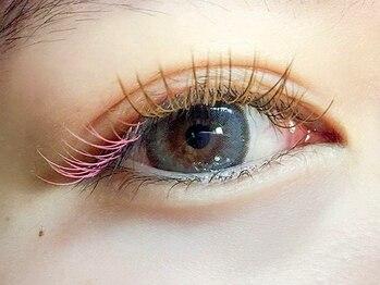 ボスアイズ 津久野(boss eyes)の写真/ナチュラルで上品になお目元に♪オフ込☆無制限付け放題ブラウンフラットラッシュ¥6655/pointカラー+¥550