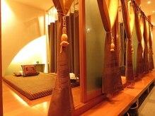 エラワン(ERAWAN)の雰囲気(タイから買い付けたインテリアと広々した空間でリラックス♪)
