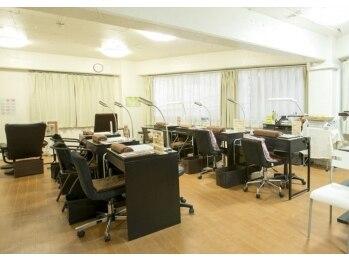 ネイルサロンアジアン 六本木店(東京都港区)