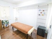 ワレア アイナ(Walea'aina)の雰囲気(いつも清潔に保たれた個室空間。2階で人目が気になりません。)