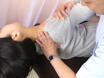 同心整体院の写真/スマホ首・巻き肩・つらい肩コリ・肩甲骨の内側の痛みもスッキリ!【肩甲骨はがし】首・肩まわり整体¥2500