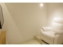 アンベリール 横浜西口(Embellir)の雰囲気(FOOT席は半個室でゆったり、リラックスした空間を♪[横浜西口])