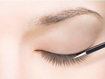 デンパサール アイラッシュアンドヘア 西宮店(DENPASAR eyelash&hair)の写真/長さやカール、太さやデザインも思いのままに仕上げてくれる♪あなたの目やまつ毛に合わせたプラン☆
