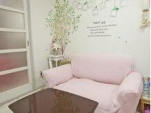 カモミール(Chamomile)の雰囲気(ピンクを基調とした清潔感のある隠れ家的な居心地のよい空間☆)