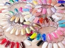 カラー150種類以上、300種類以上の豊富なパーツをご用意♪