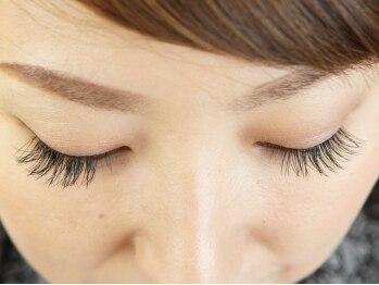 ネイル ペルレ(nail perle)の写真/【高級セーブル毛使用☆】お好みのデザインで自まつ毛のような付け心地♪可愛い瞳で貴方の理想を叶えます!