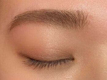 ロットナイン(lot9)の写真/骨格に合わせて似合う眉毛をご提案!黄金比をベースにした美眉で小顔効果◎自眉が整い朝のメイクも楽々♪