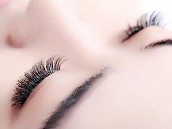 デンパサール アイラッシュアンドヘア 西宮店(DENPASAR eyelash&hair)の写真/【東鳴尾】話題のボリュームラッシュも≪速い・お手頃・綺麗≫☆より自然な目ヂカラUPが叶います♪