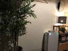 いやしのての雰囲気(壁で仕切った個室空間で、周りを気にせず施術が受けられます!!)