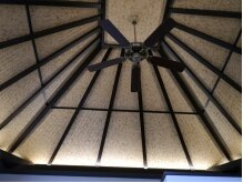 リゾートサロンライ(Rai)の雰囲気(【完全貸切】高い網代天井を見上げるケアルームもこだわりの1つ)