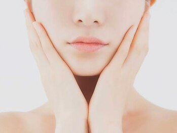 エムバランス(M.Balance)の写真/【小顔矯正☆初回¥3700】ブルドッグ顔/ほうれい線/むくみ/鼻筋/下がりまぶた等…お顔悩みの根本改善に◎