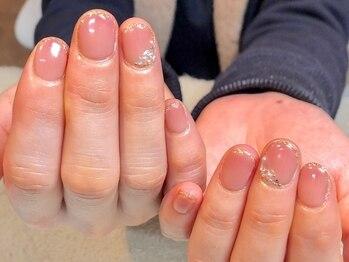 ユーネイル(U-nail)の写真/パッと目を惹く美しい指先で好感度UP♪爪の形にお悩みの方も丁寧ケアと仕上がりで洗練された手元に☆
