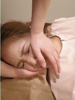 ビビ 長岡店(Total Beauty Salon ViVi)の写真/小顔のカギは骨盤矯正にあり!歪みを正し根本から改善☆憧れの小顔への近道♪小顔矯正&骨盤矯正¥5500