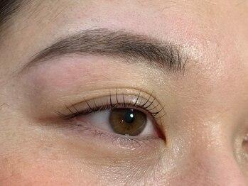 ジューシーアイズ(Juicy Eyes)の写真/似合わせ美眉毛スタイリングで垢抜け☆歴10年以上のベテランアイリストにお任せください!お手入れ楽ちん♪
