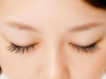 グラマラス アンジェアイ フレスポ富沢店(glamourous×ange eye)の写真/【マツエク初回100本¥3000】素顔に馴染むナチュラルな目元へ♪まつ毛パーマもあり★