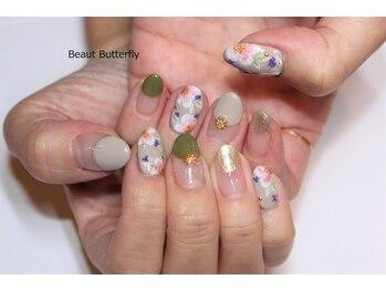 ネイルサロン スクール ビュートバタフライ 相模大野店(BEAUT BUTTERFLY)/押し花とフラワーペイントネイル