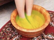 フィートウォーマー(Feet Warmer Taiwan-style Reflexology)/2足浴でホットひと息
