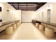 ホットヨガスタジオ ココノハの雰囲気(パウダールーム・シャワー室も完備。)