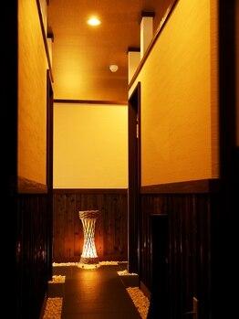 ヴィラ 西宮北口店(villa)/モダンアジアンな店内