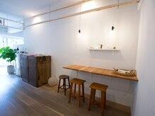 江古田酵素浴 bnの雰囲気(ナチュラルで明るい店内。こだわりの物販品も多数販売中◎)