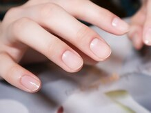 素の爪や指先を今より美しく見せたい方に!大人気のネイルケア。