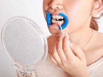 ホワイトニングバー 町田店(WhiteningBAR)/◇歯の表面にジェルを塗る
