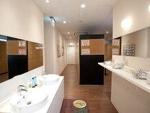 ホットヨガスタジオ オー 池袋店の雰囲気(清潔なロッカールーム完備♪ご予定の前後にヨガでリフレッシュ◎)