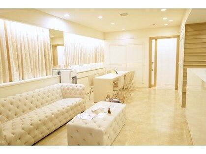 サロンイーエフ 栄本店(salon EF)の写真