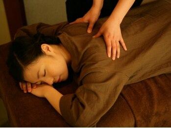 """京都 ほぐし整体 はんなり 赤坂店の写真/京都からの本場手技で疲れをほぐす!ゆったり落ち着ける畳個室の""""はんなり""""空間で。男性・女性大歓迎♪"""