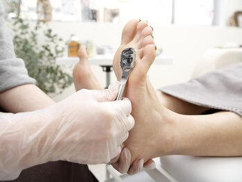 ルリアンネイル(le lien nail)の写真/【FOOTベーシックケア¥5500】足のニオイや乾燥が気になる方に◎お肌に優しい施術で足元を徹底ケア♪