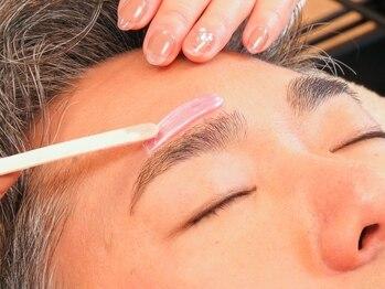 アイビー(i.b)の写真/【眉毛を整えるのは男の新常識】面倒な自己処理からの解放!眉毛のワックス脱毛で清潔感UP間違いなし◎