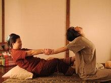 ティーン イサーン/タイ古式のストレッチ2