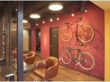 お洒落な店内には自転車がディスプレイ!!