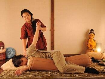 ティーン イサーン/タイ古式のストレッチ4