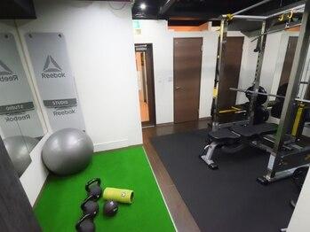 リフレッシュメント トレーニングジム(Refreshment Training Gym)/施設内覧