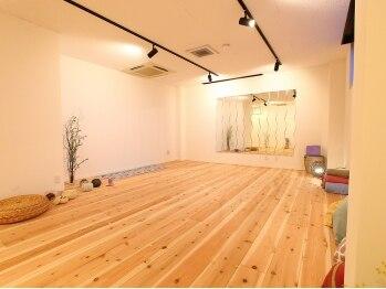 ヨガスタジオ パラティ(yoga studio PARATI)