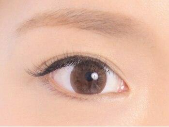 ラルナ ネイルアンドアイラッシュサロン(LA LUNA nail & eyelash salon)の写真/おしゃれ顔は眉毛が命!プロがトレンドを取り入れて、似合う眉毛をご提案♪同時施術で眉カラーリング2160円