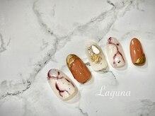 ラグウナ(Laguna)/秋の大理石ネイル