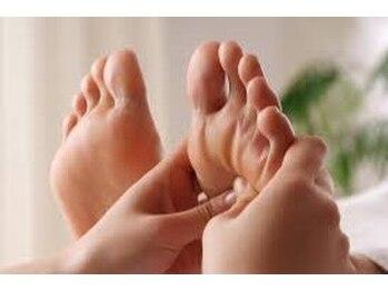 ネイル アンド リラクゼーション グランス 京成大久保店(Nail & Relaxation glance)/足つぼ30分 ¥2268