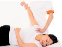 諦めないで!肩・首コリは仕方ないと諦めている方に朗報!身体の要『骨盤』から上半身のつらさを徹底改善☆