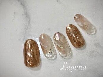 ラグウナ(Laguna)/ミラーネイルと大理石