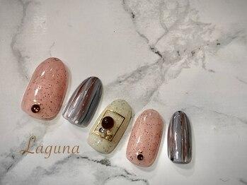ラグウナ(Laguna)/砂ジェルとストライプ柄