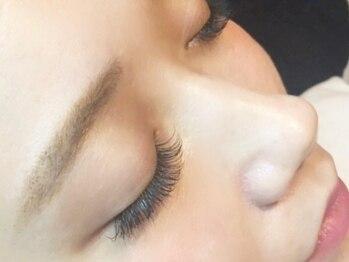 ナナ リスボン(NANA LISBON)の写真/最高級セ-ブル◆マットフラットラッシュ80本¥4480◆初めての方は80本も◎ナチュラルで美しい化粧仕上がり!!