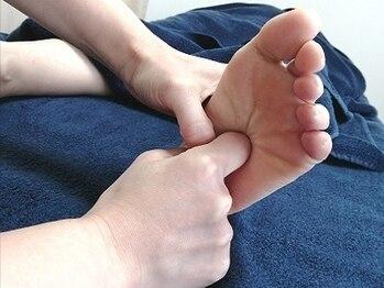 癒しサロン 羽の写真/ゴリゴリな足裏でも大丈夫◎辛い足裏をほぐしてスッキリ軽く♪ツボ押しで血行促進しましょう!