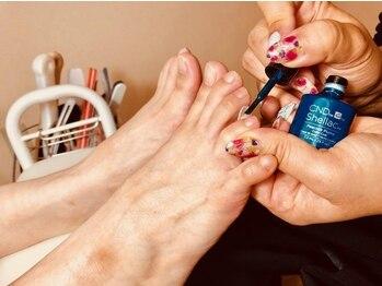 ネイルサロン アムール(Amour)の写真/ジェルは自爪を削らない爪に優しいパラジェル使用★フットシェラック・巻き爪矯正BSブレイスなど幅広く提供
