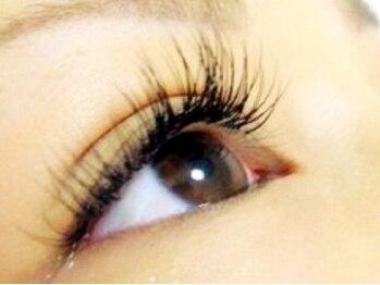 デンパサール アイラッシュ 宝塚店(DENPASAR eyelash)の写真/長さやカール、太さやデザインも思いのままに仕上げてくれる♪あなたの目やまつ毛に合わせたプラン☆