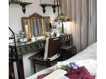 サロン ド アンティーク(Salon de Antique)の詳細を見る